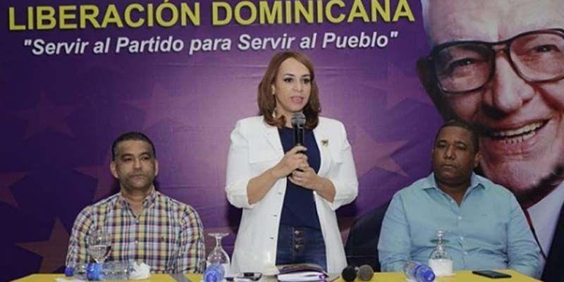 Photo of Karen Ricardo anuncia su disposición de contribuir a la victoria de Luis Alberto y de todos los candidatos del PLD