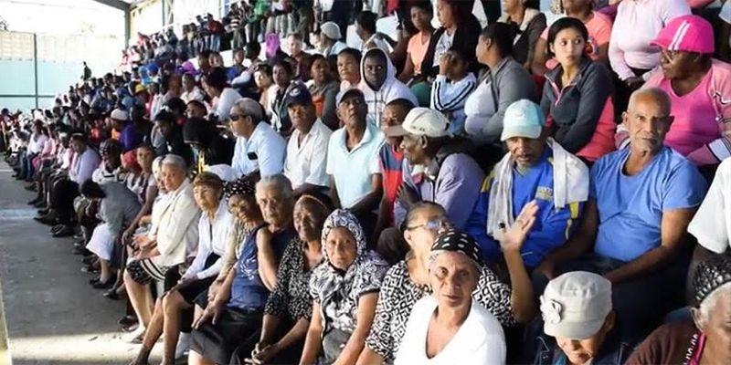 Photo of Beneficiarios ponderan organización en entrega de Canastas Navideñas