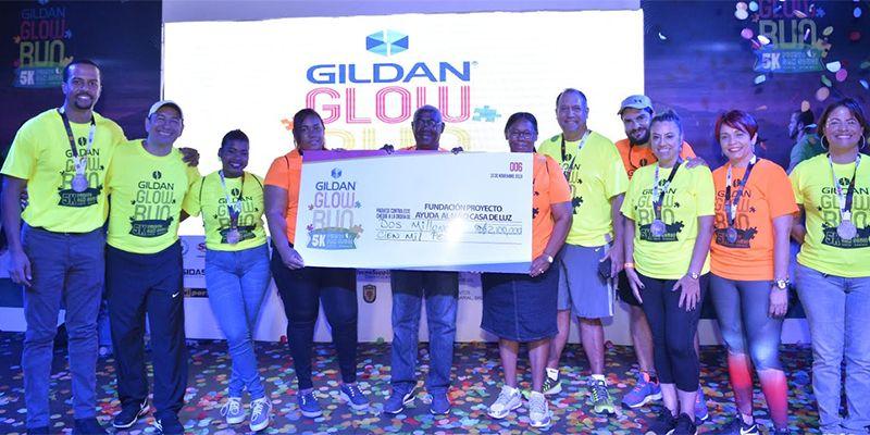 Photo of GILDAN dona más de RD$2 millones a Fundación Casa de Luz