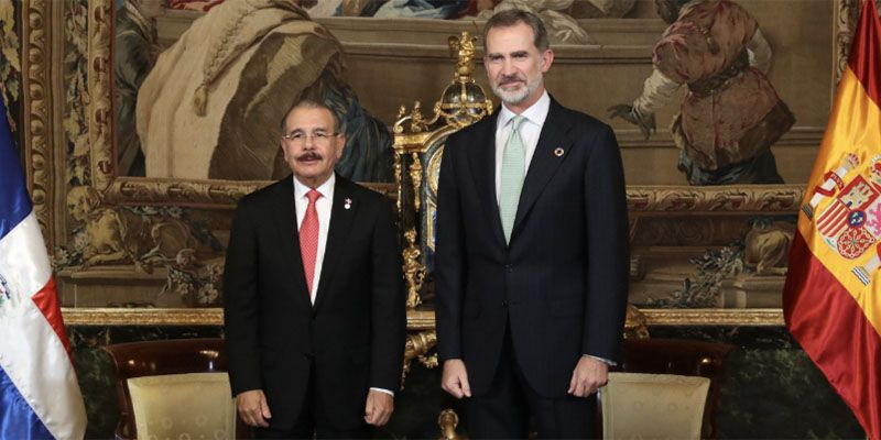 Photo of Rey de España Felipe VI recibe al presidente Danilo Medina, en Palacio Real de Madrid