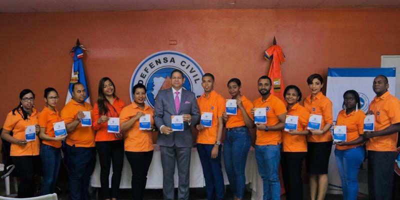 Photo of Defensa Civil juramenta nuevos miembros de la Comisión de Ética pública