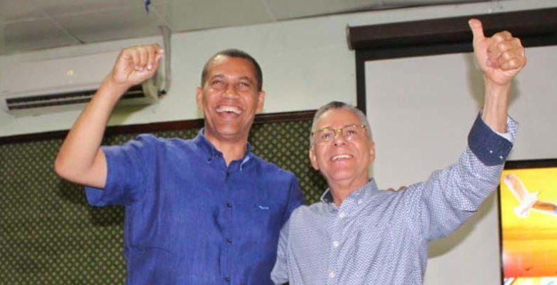Guido Gómez Mazara (i) y Manuel Jiménez
