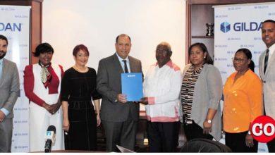 Photo of Gildan entrega RD$2.1 millones para favorecer a niños con parálisis cerebral