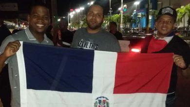 Photo of Jóvenes del PRM protagonizan una protesta en la San Vicente con carretera Mella