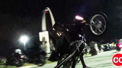 Photo of Convierten la cima de la Plaza de la Bandera en pista para correr motocicletas + Vídeo