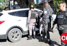 Photo of ¿Delito electoral? Arrestados en Boca Chica dos hombres con miles de pesos y una pistola