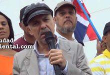 """Photo of Cambio de señas: para Manuel Jiménez El Cañero ya no es """"el falso alcalde"""", sino el """"Honorable Alcalde"""" de SDE"""