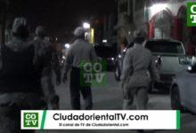 Photo of Incursión policíaco-militar en los Tres Brazos tras quema de neumáticos durante el toque de queda + Vídeo