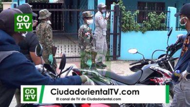 Photo of En  medio del toque de queda llamó al 911 en  por una discusión de pareja y se presentaron 15 soldados y policías + Vídeo
