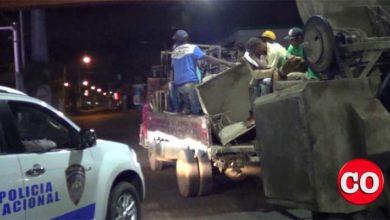 Photo of La inverosimil versión de un capitán de la PN que asegura arrestó, solo y desarmado, a 10 hombres en la carretera Mella