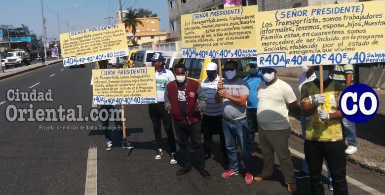 Los trabajadores del volante reclaman por los subsidios del gobierno.