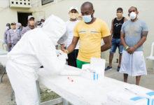 Photo of Ministerio de Salud Pública realiza jornada médica y de desinfección en La Victoria