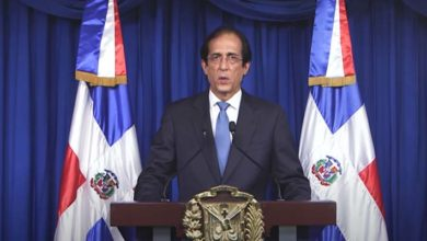 Photo of Gustavo Montalvo desmiente se pretenda abrir actividades económicas en RD el 11 de mayo