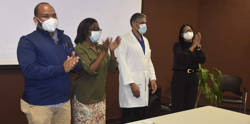 El doctor Aponte Pons dijo estar agradecido de cada uno del personal.