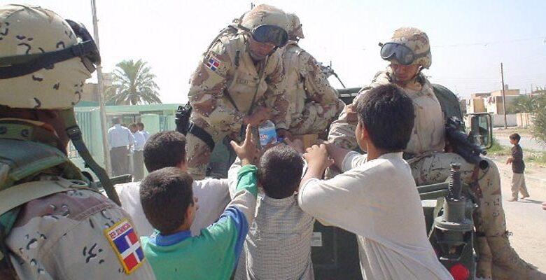 Soldados dominicanos participan en la invasión a Irak