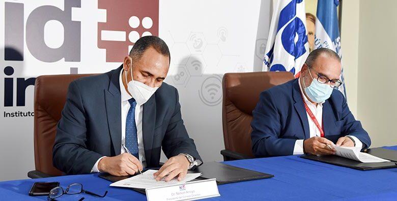 La firma del acuerdo.