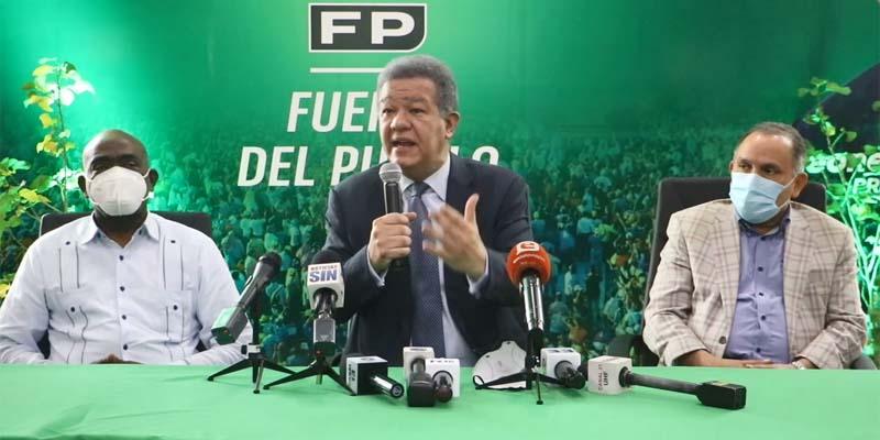 Leonel Fernández, centro