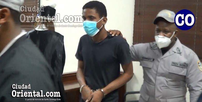 Jhony Batista (a) Piti Alocao, en custodia policial.