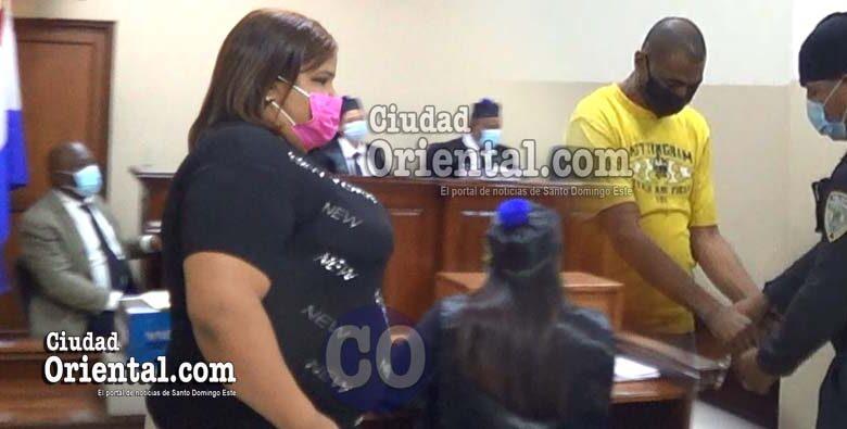 La presunta victima y el favorecido con la absolución.