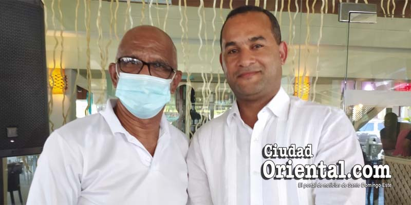 Robert Vargas (i) y Eduarld Figueroa