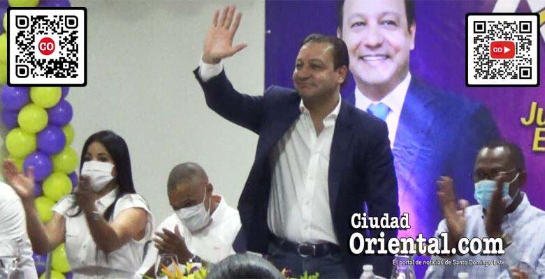 Abel Martínez saluda durante una de las actividades en SDE