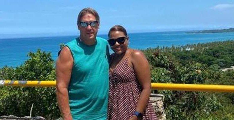 El estadounidense Dale Albert y su esposa, la dominicana Mayorin Henriquez un dia antes de la tragedia