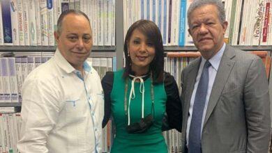 Desde la izquirda, Julio Romero, Sonya Abréu y Leonel Fernández